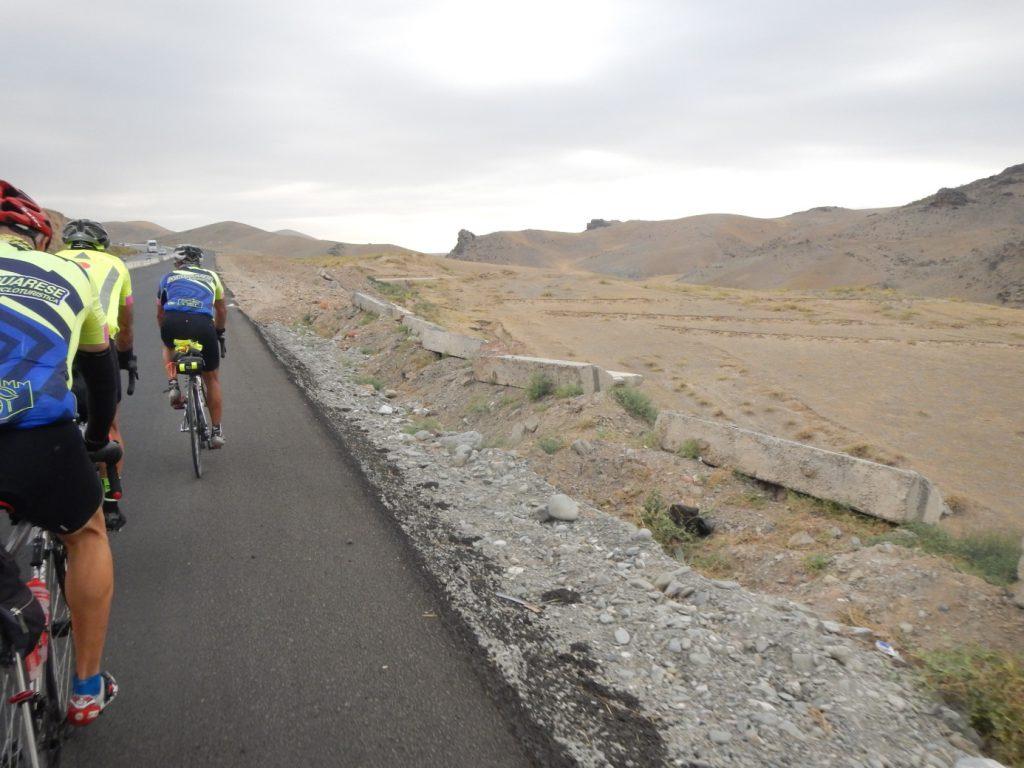 Auf dem Weg übers Mittelgebirge Richtung Samarkand